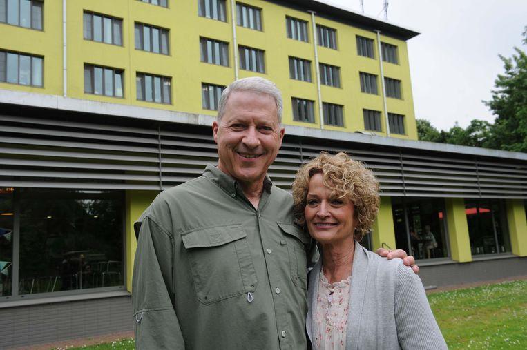 Richard Norby en zijn vrouw Pamela op bezoek in het AZ Jan Portaels.