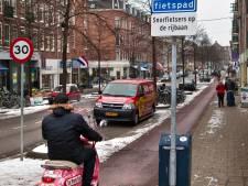 Den Haag roept Kamer op tot invoering helmplicht snorfietsers