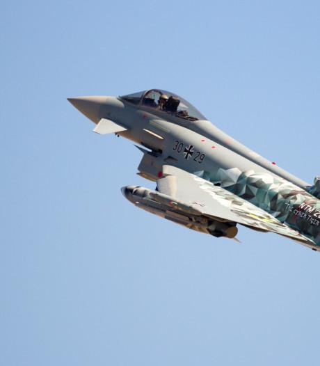 Duitse straaljagers klappen op elkaar, één piloot komt om het leven