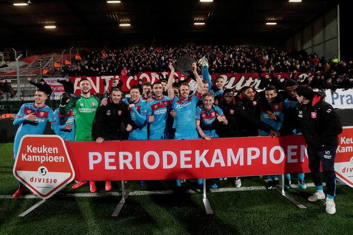 FC Twente viert het periodekampioenschap.