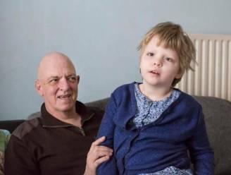 """""""Met cannabisolie kon Sofie (8) een mooiere toekomst hebben. Nu blijft haar mentale leeftijd eeuwig steken op drie jaar"""""""