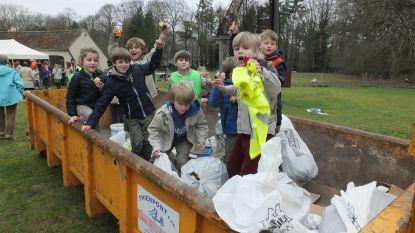 Vrijwilligers houden Grote Lenteschoonmaak langs trage wegen
