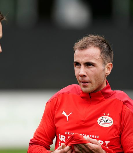 PSV-trainer Schmidt heeft straks een compleet elftal voor het middenveld tot zijn beschikking