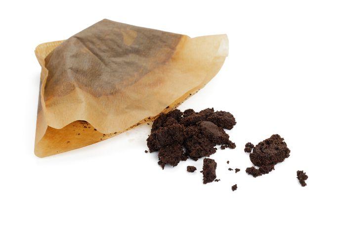 Wat kun je met koffieprut doen? Marja Middeldorp heeft wel wat tips...