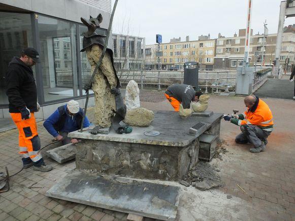 Het beeld werd vorige week weggehaald uit de Tolpoortstraat.