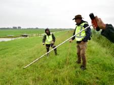 Op inspectie met dijkwachten langs de Dubbele Wiericke: zo gaat dat in z'n werk