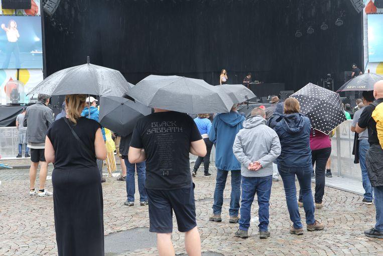 TIENEN-suikerrock-de traditionele paraplu is ook van de partij