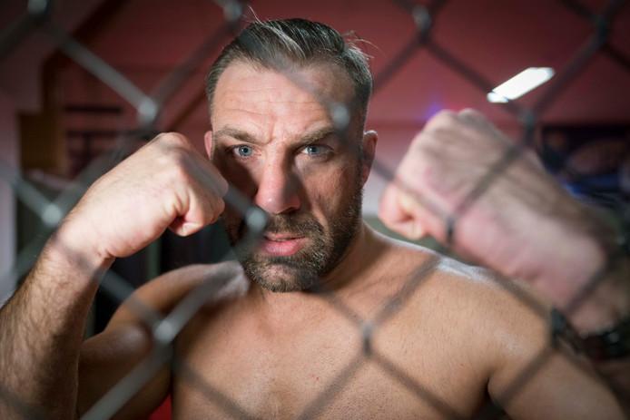 MMA-vechter Dion 'The Soldier' Staring vecht zaterdagavond de hoofdpartij in Almere
