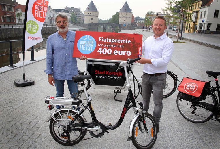 Danny Ravau uit Heule was één van de eersten die een fietspremie ontving.