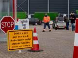 Corona zorgt voor files bij Zeeuwse milieustraten: 'De containers puilen uit'