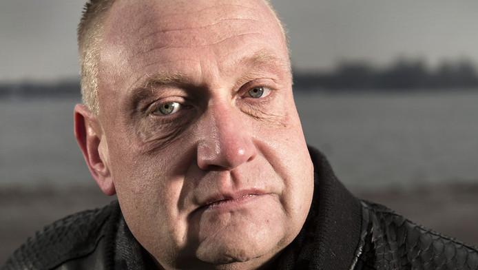 Dennis van den Berg vraagt zich af waarom de politie hem als doelwit ziet.