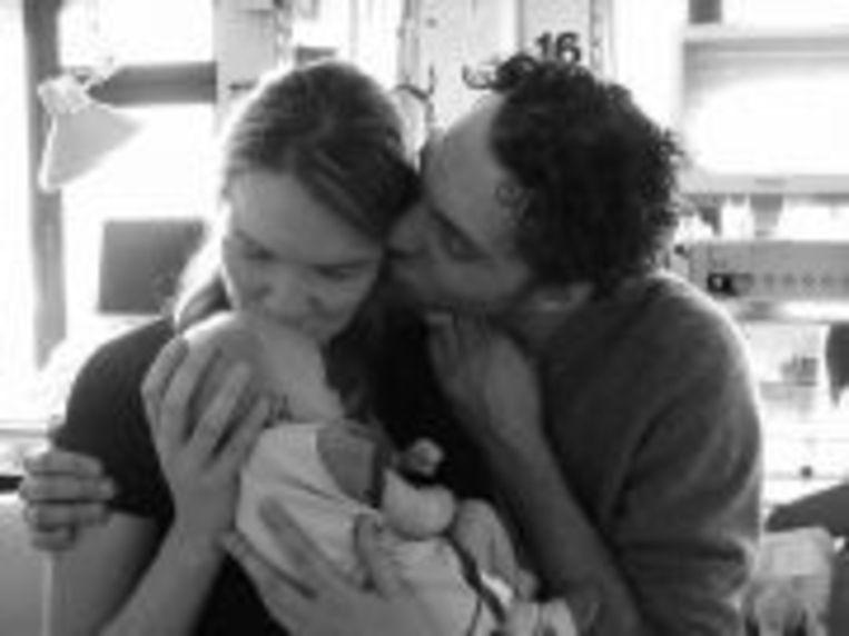 Christine en Wouter met zoontje Berre, dat ze kort na de geboorte verloren.