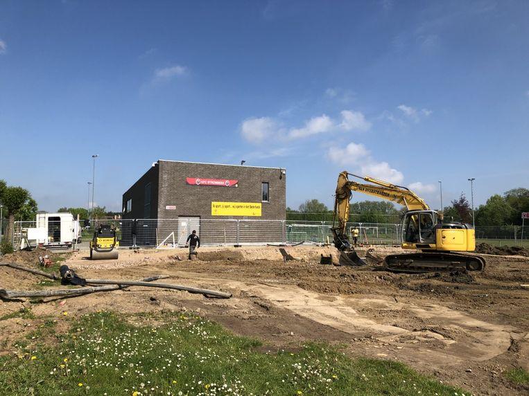 De graafwerken op de Pieremansite zijn begonnen met het oog op de komst van het nieuwe skatepark.