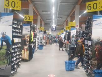 Geen grote drukte en verstandige shoppers in Lochristi en Zelzate