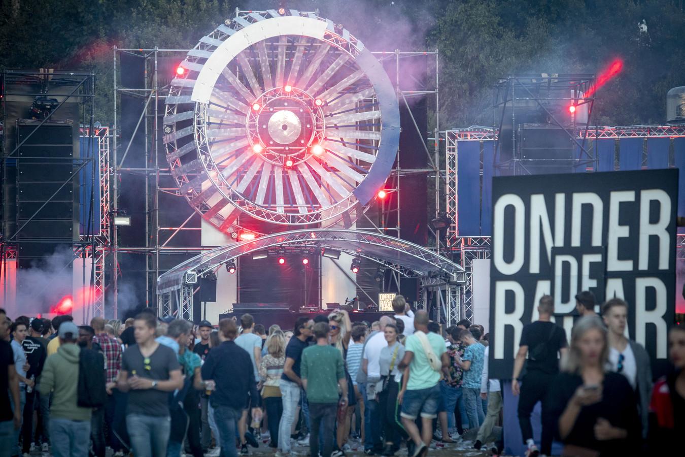 Onder de Radar, het eerste technofestival van Overijssel, vond in 2018 voor het eerst plaats.