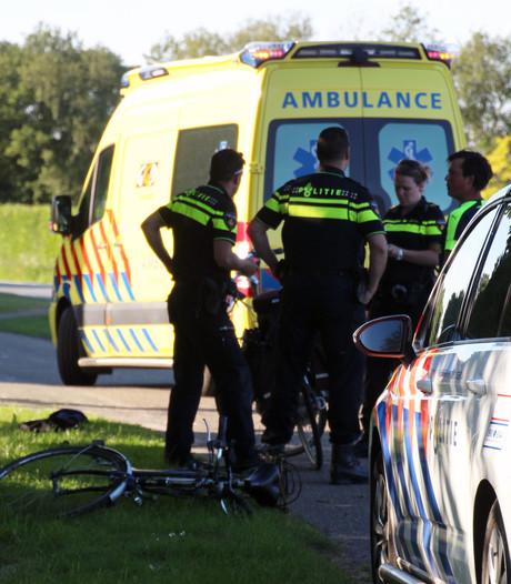 Vrouw ernstig gewond na val van fiets