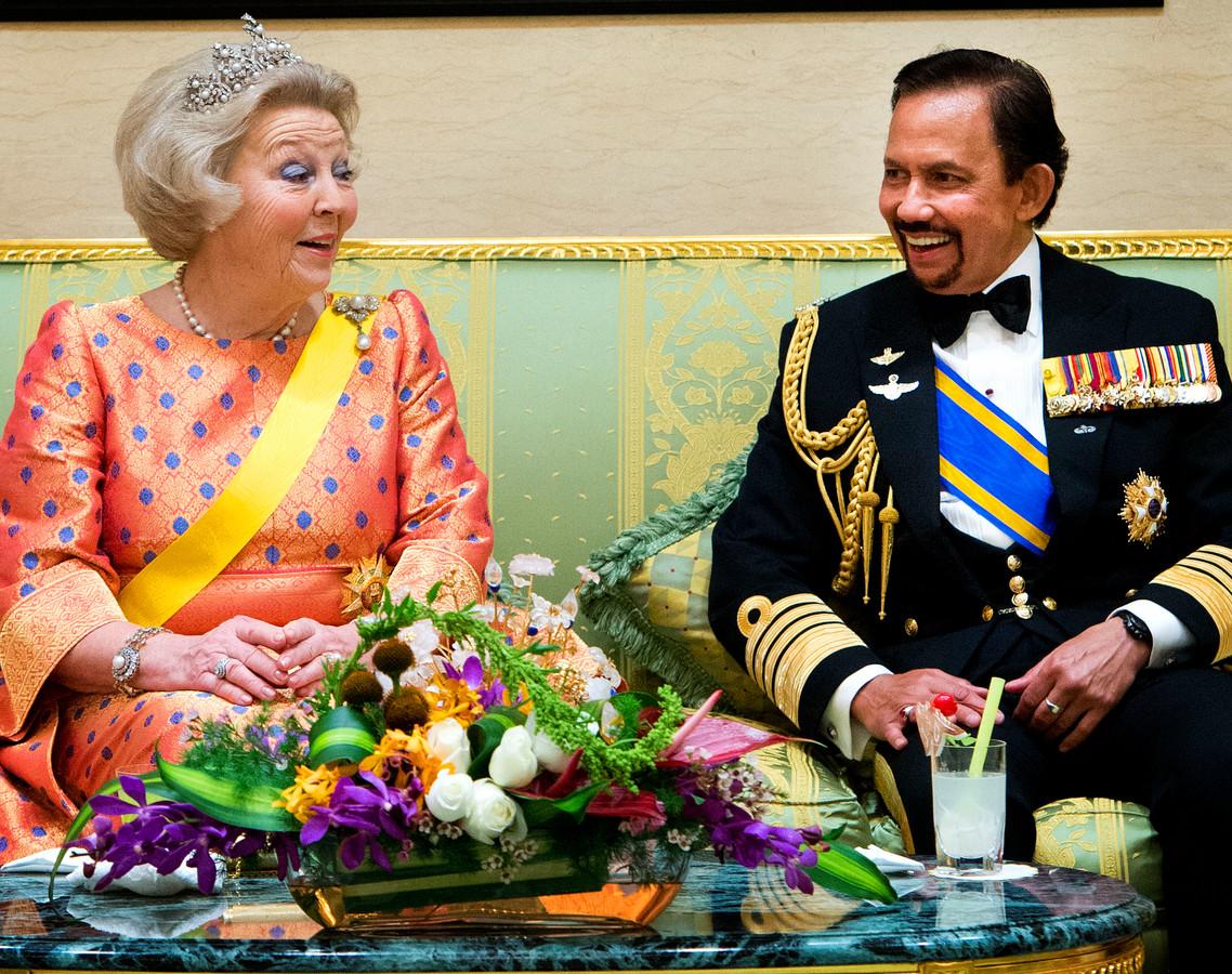 Koningin Beatrix en sultan Hassanal Bolkiah van Brunei.