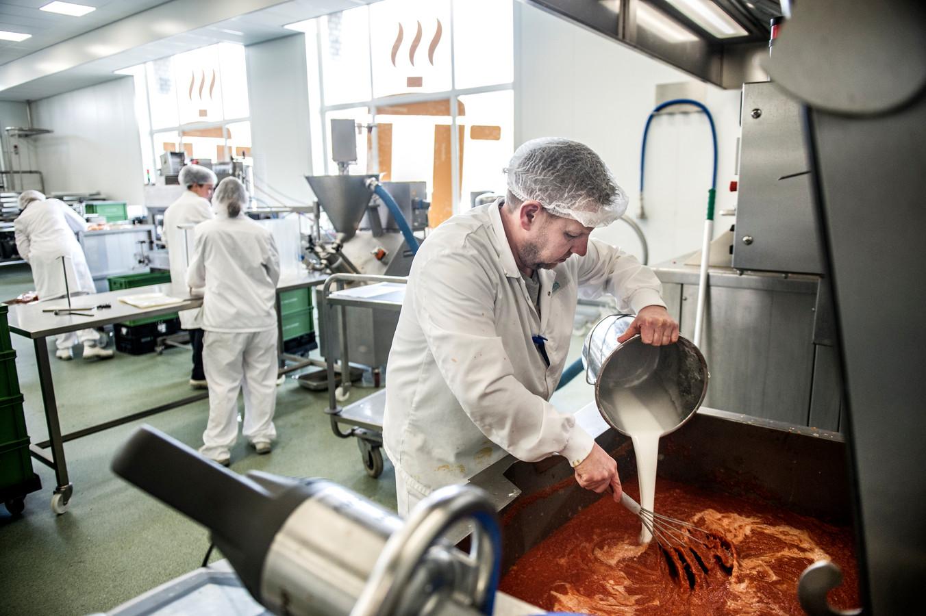 De Verspillingsfabriek in Veghel. Hier worden soepen en sauzen gemaakt van producten die anders zouden worden weggegooid.