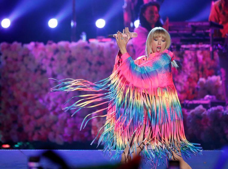 Taylor Swift neemt het op voor holebirechten.