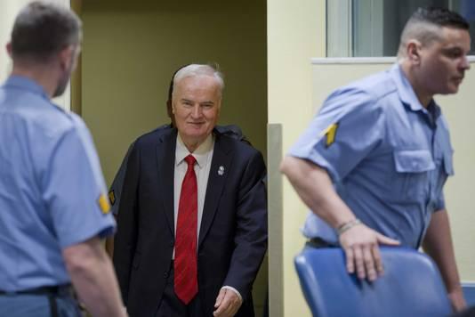 Ratko Mladic voorafgaand aan de zitting van het Joegoslavië-tribunaal in Den Haag.