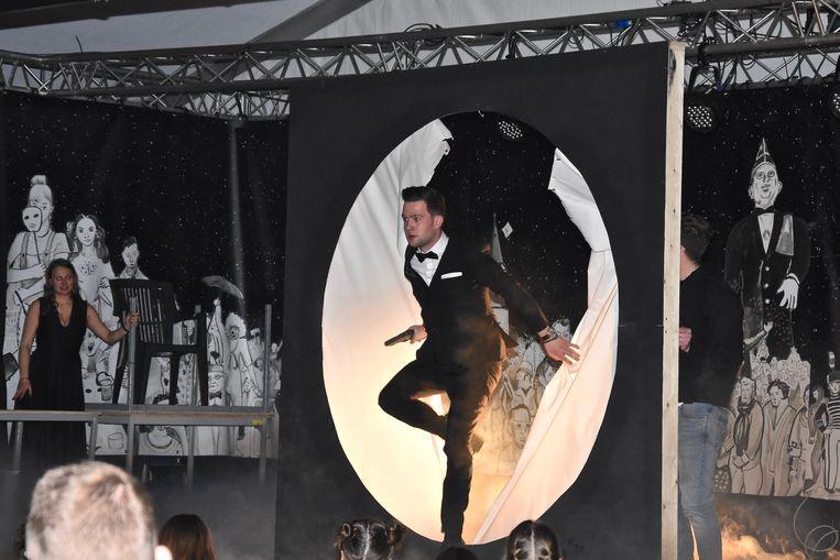 Verkiezing Prins Carnaval Gullegem - Michiel Thermote maakte indruk met zijn persoonlijke act