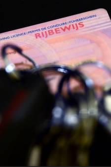 Tilburger aangehouden voor rijden zonder geldig rijbewijs