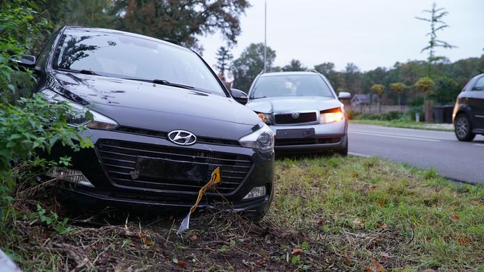 Bij de aanrijding op de Zutphenseweg bij Eefde waren twee auto's betrokken.