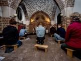 Slechte wifi en vier keer per dag bidden in het Jongerenklooster