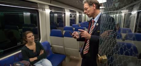 'Wel een beetje ongemakkelijk': deze conducteur heeft voor elke reiziger een gedicht