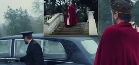 'Mr. United' Éric Cantona schittert in video van City-fan Liam Gallagher
