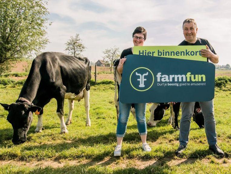 Sofie Vanpeperstraete en Geert Vandenbussche van belevingsboerderij De Biezenhoeven in Popernige.