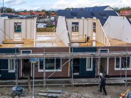 Zeeuwse bouwers zijn 'beretrots' op prefabwoningen van 't Vrije Woonblok  in Yerseke