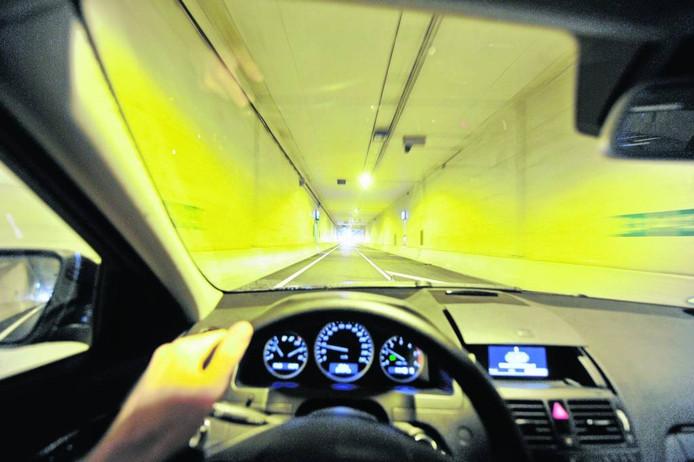 De tunnel in Nijverdal gaat opnieuw een nachtje dicht vanwege onderhoudswerkzaamheden.