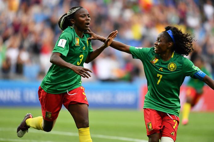 Ajara Nchout (links) en Gabrielle Onguene.
