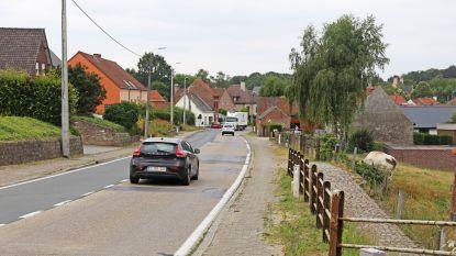 Werkzaamheden Edingsesteenweg lopen vertraging op: pas einde augustus zijn fietspaden klaar