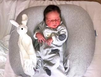 """Maurice is één van de eerste baby's van 2021: """"Verwekt in eerste lockdown, geboren op muziek van Willy Sommers"""""""