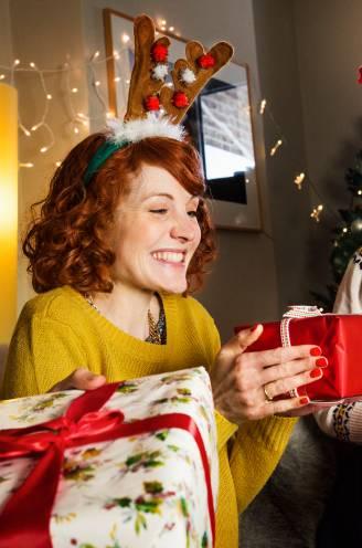 Minder pakjes onder de kerstboom: bijna de helft van de Belgen koopt dit jaar minder cadeaus