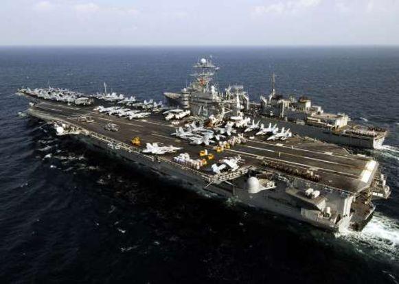 De USS Harry S. Truman en de USNS Arctic.