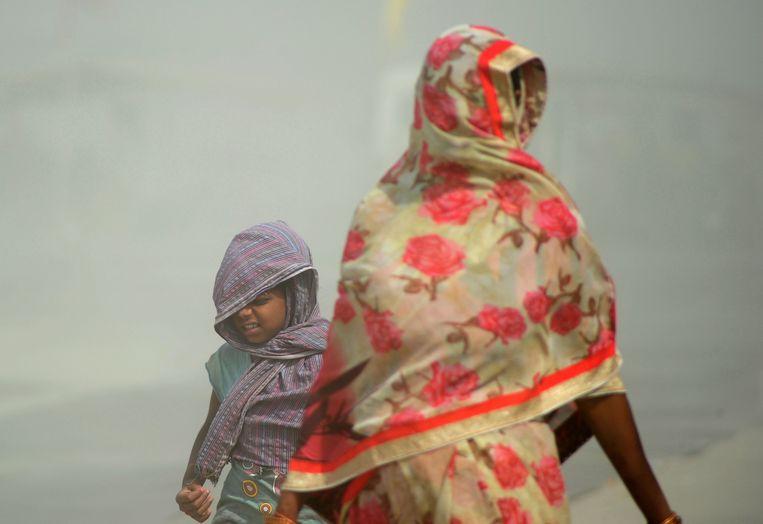 Een zandstorm bij de Indiase stad Allahabad. Beeld AFP
