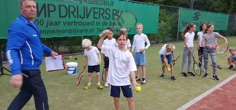 Tennissen voor goede doel bij Wolfsbosch Vught