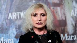 De rebelse Blondie-zangeres Debbie Harry is 75 (deel 2): haar succes wordt bedreigd door heroïne en geldkwesties