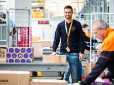 PostNL voorspelt recordaantal pakketten tijdens feestdagen: 'Hier zijn we wél op voorbereid'