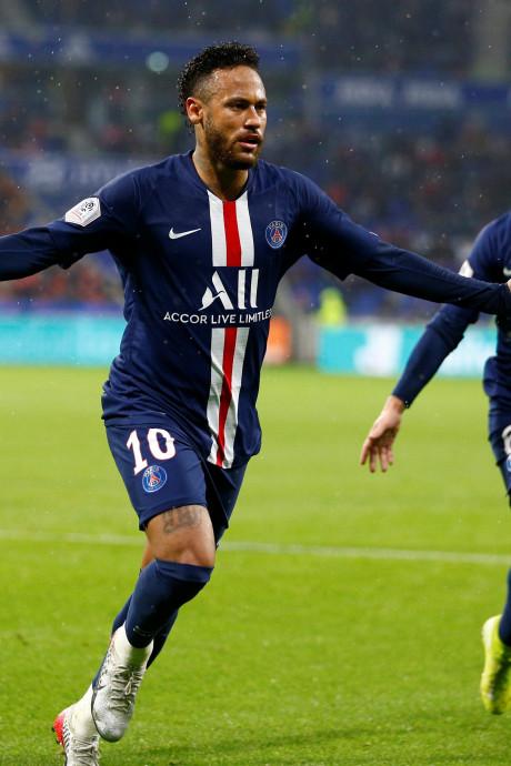 Neymar sauve encore Paris contre Lyon