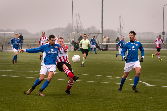 Archiefbeeld heenwedstrijd Zwaluwe - EBOH (2-2).