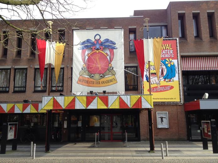 Het Theater aan de Parade is nu al het Hoftheater.