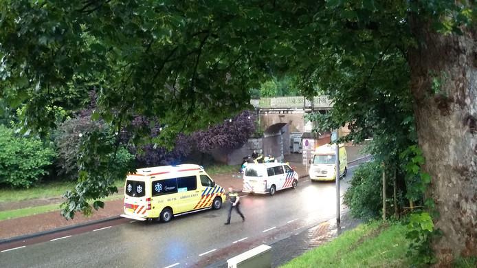Politie en ambulance aanwezig op de Voerweg.