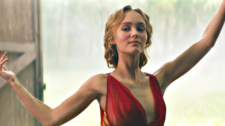 Lily-Rose Depp in Le Danseuse. Beeld