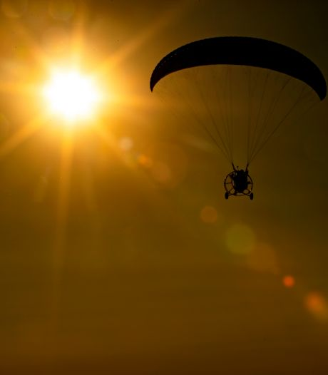 Frank Verberne uit Milheeze vliegt zo vaak als hij kan: 'Heerlijk vrij gevoel om te zweven in de lucht'
