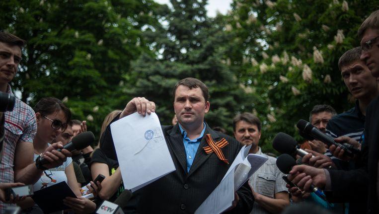 Een van de pro-Russische organisatoren van het referendum in Loehansk Beeld AP