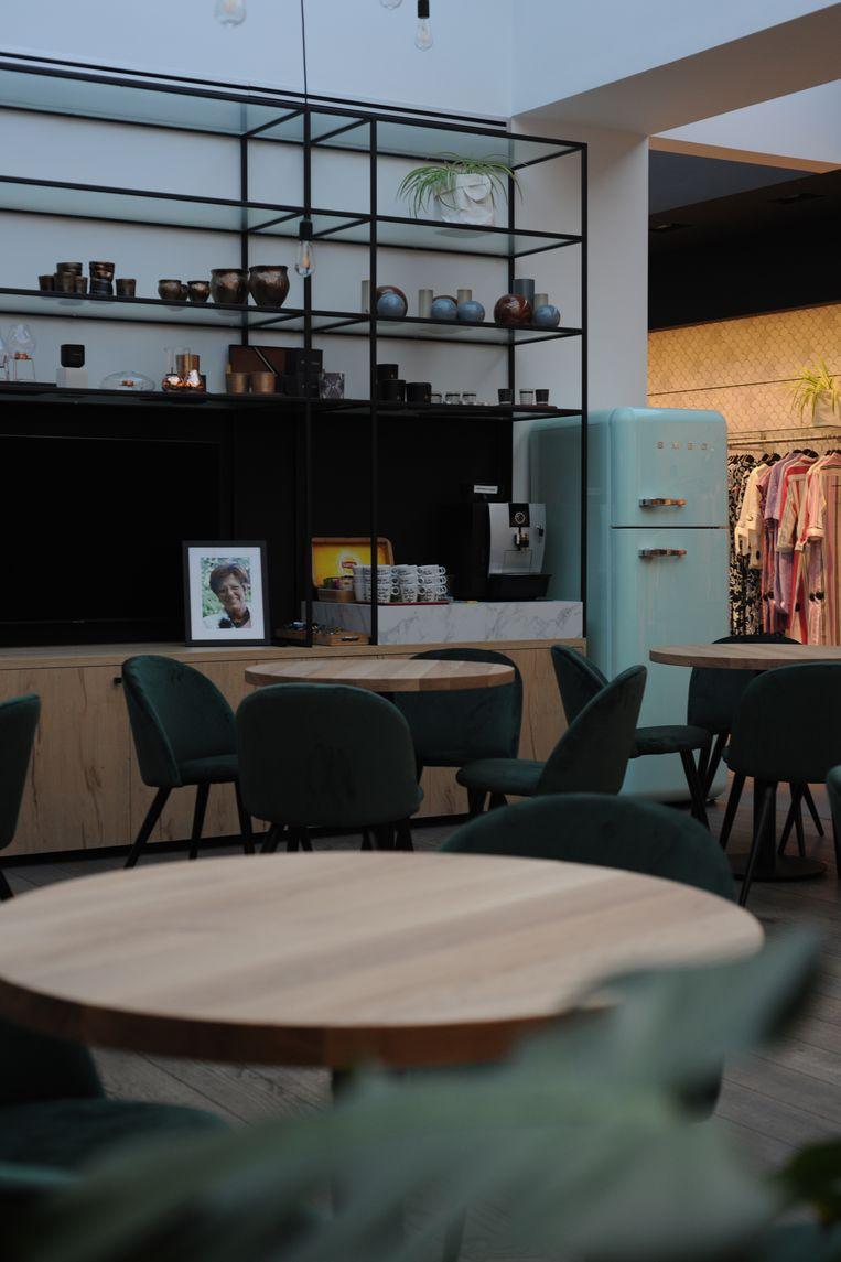 Tijdens het winkel kan je ook gezellig genieten van een kop koffie en een babbel.
